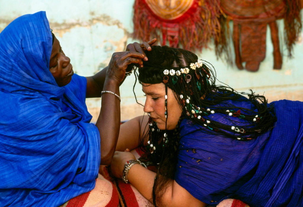 Preparing for the Guedra Dance